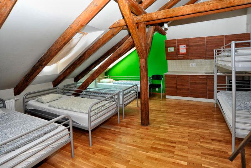 hostal_one_praga_habitaciones
